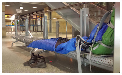 Where to sleep when hitchhiking and backpacking: in airports along your route that are open 24/7
